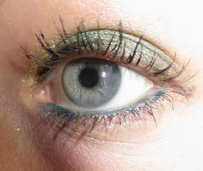 Stila Eye Shadow Trio in Going Green on eye