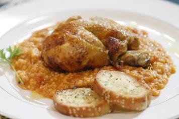 Κοτόπουλο φούρνου με ξινόχοντρο κοκκινιστό