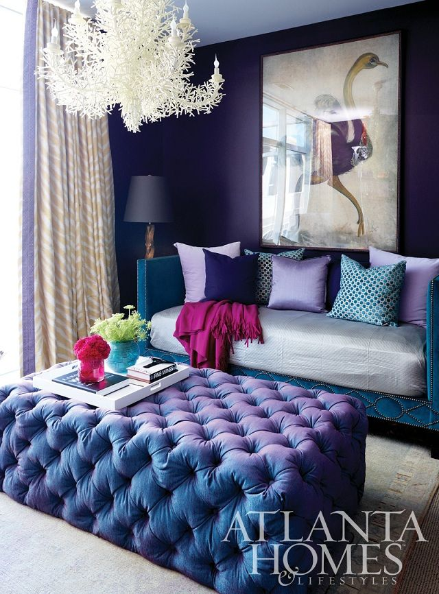 7 fotos de salas moradas un color moderno para tu sal n for Decoracion de sala gris y azul
