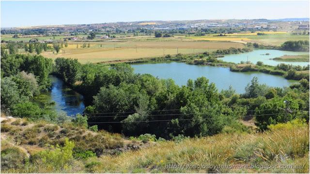 ya dejamos atrás la laguna verde y el río