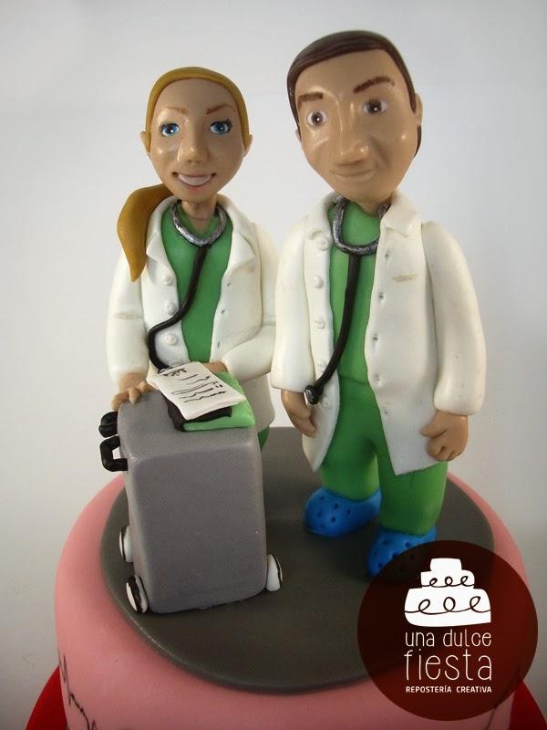 Tarta fondant personalizada cardiologia 2
