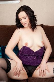 免费性感的图片 - sexygirl-emi030NAT_280593038-766842.jpg