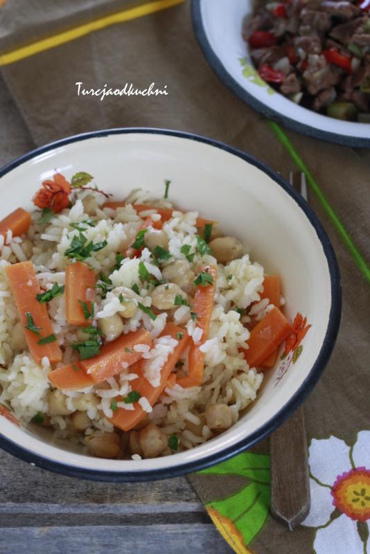 Ryż z marchewką i ciecierzycą