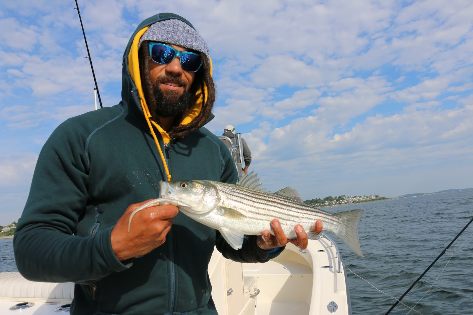 Branle fly fish striped bass body