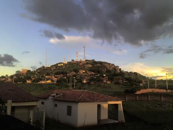 CASA  DO ANTIGO TRANSMISSOR DA RADIO ALTO PIRANHAS EPOCA QUE PERTECNIA A  DIOCESE