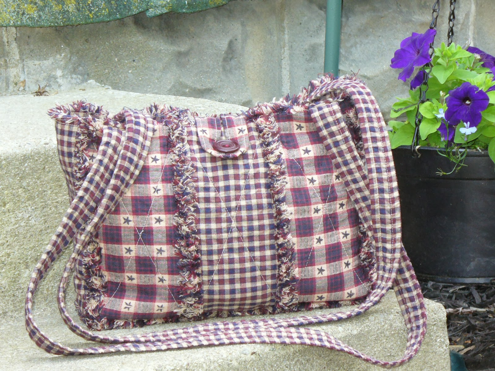 Rag Quilted Handbag Pattern : Ashlawnfarms Rag Quilt Creations: Homespun Patriotic Rag Quilt Purse