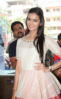Actress Meenakshi Dixit Latest Pictures at Yes Mart Launch  30.jpg