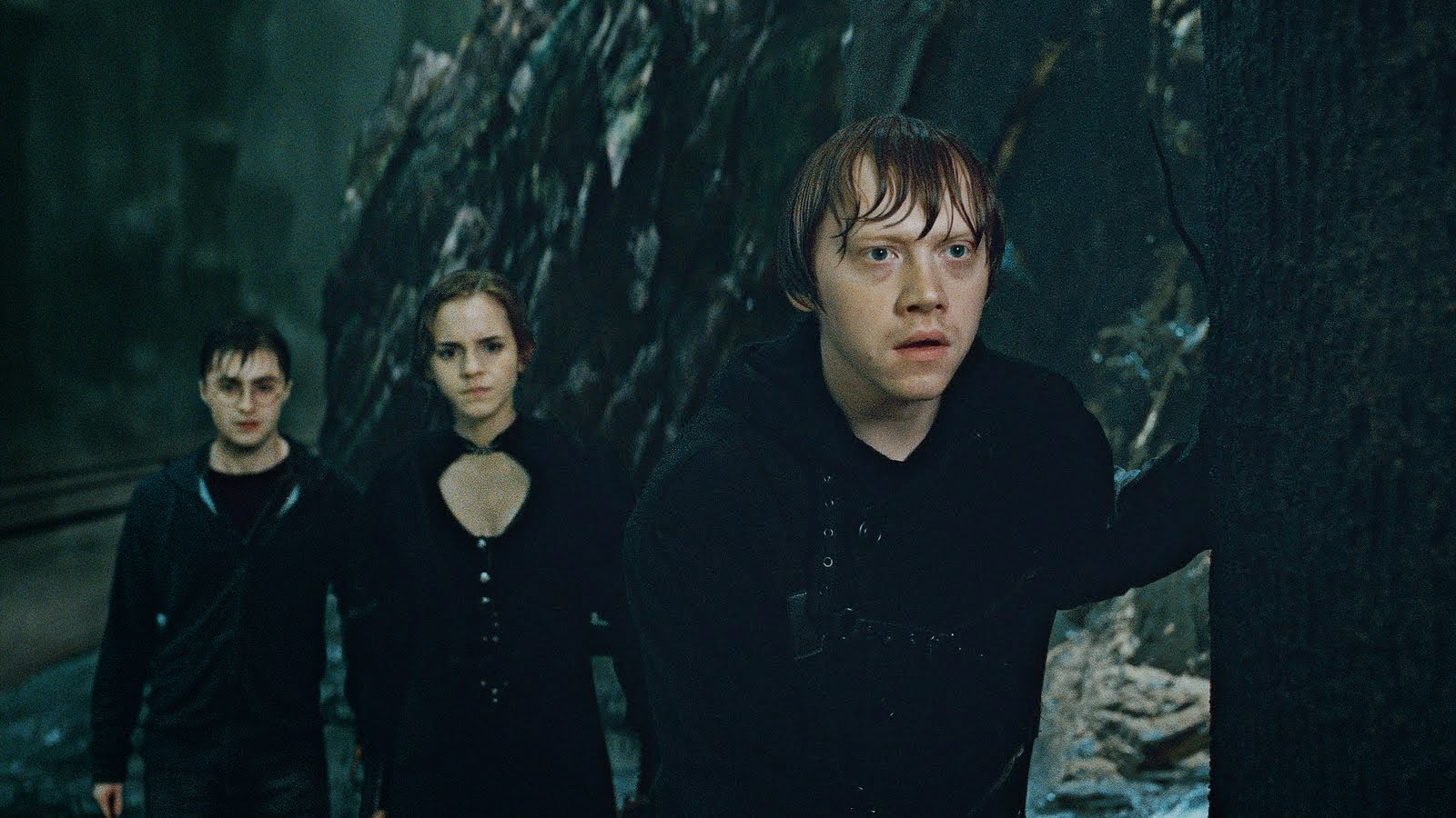 Daniel Radcliffe, Rupert Grint and Emma Watson reprise their roles Universal's theme park ride