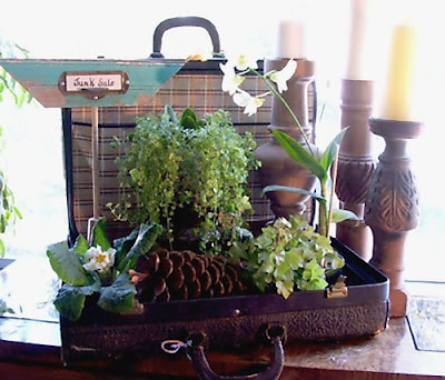 Cool and Creative Ways To Reuse Old Suitcases (20) 15