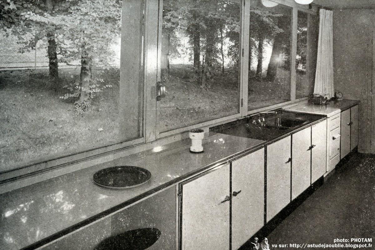 Ville d 39 avray maison de demain lionel mirabaud part 2 for Cuisine qui donne sur le jardin