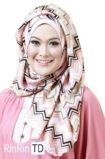 Jenis Jilbab untuk Bentuk Wajah Segitiga