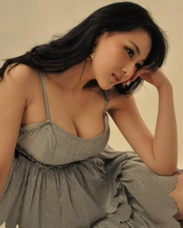 Today's hot chicks are Chinese Girls. Love em. Don't know why just do