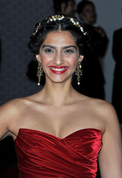Sonam Kapoor cannes red frock