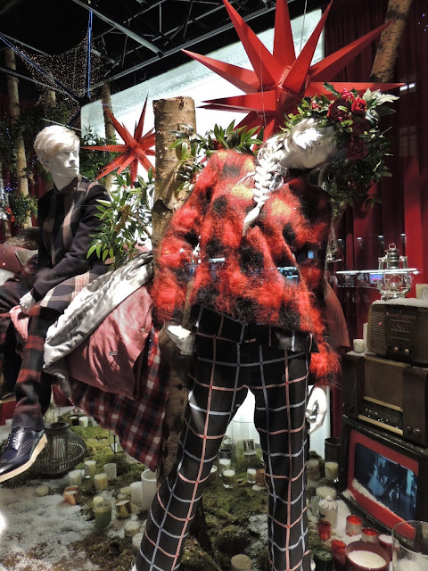 2012 Window Display with a Christmassy Couple