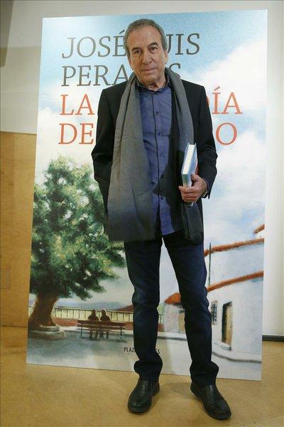 José Luis Perales publíca su primer libro