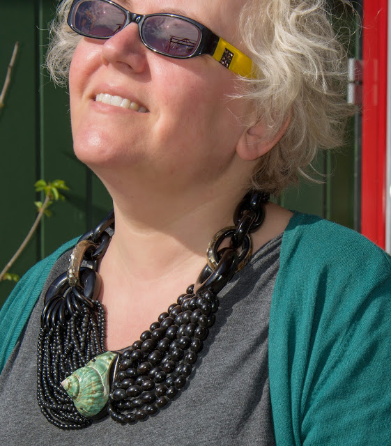 Close up of Kaffesoester in Missoni sunglasses