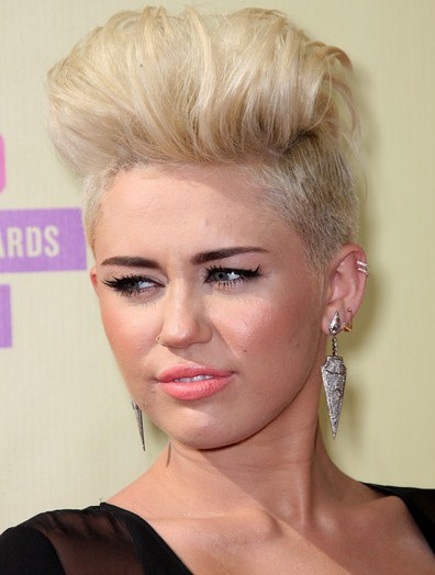 Miley Cyrus Short Hairstyle Beautiful Healthy Lifestyle