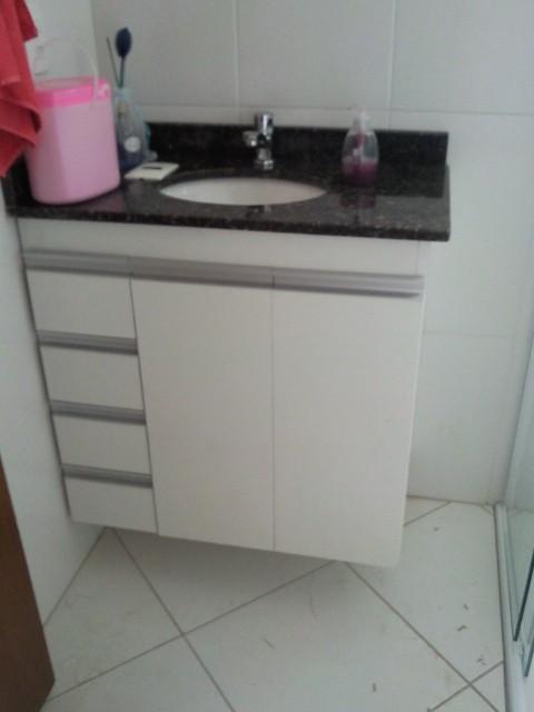 Gabinete banheiro simples p/ ap pequeno.