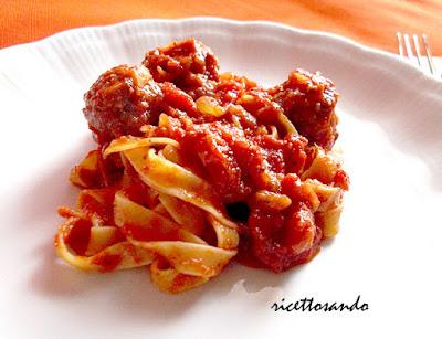 Sugo di pomodoro | ricetta base salsa