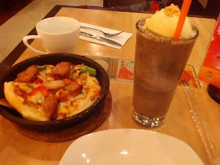 Wuhan brasileiro na china Pizza Hut menu