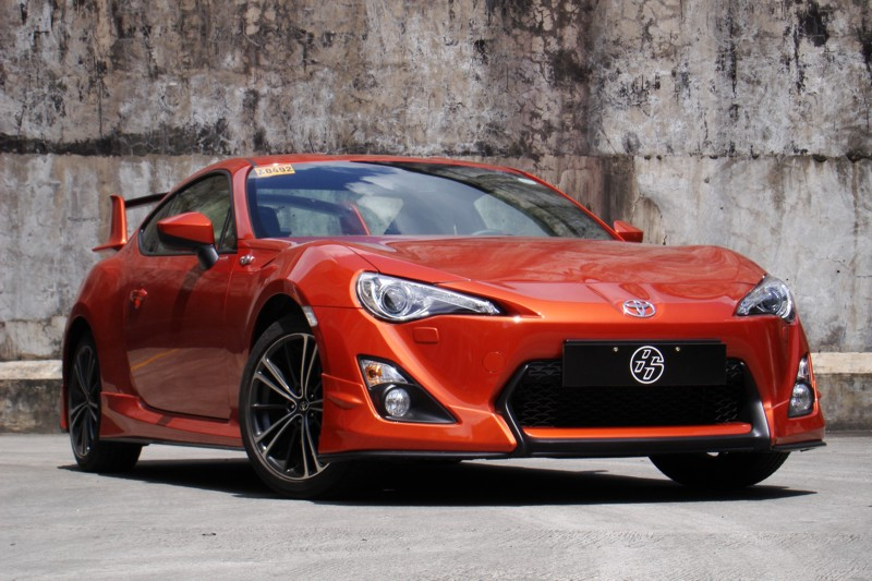 Review 2012 Toyota 86 Aero  CarGuidePH  Philippine Car News
