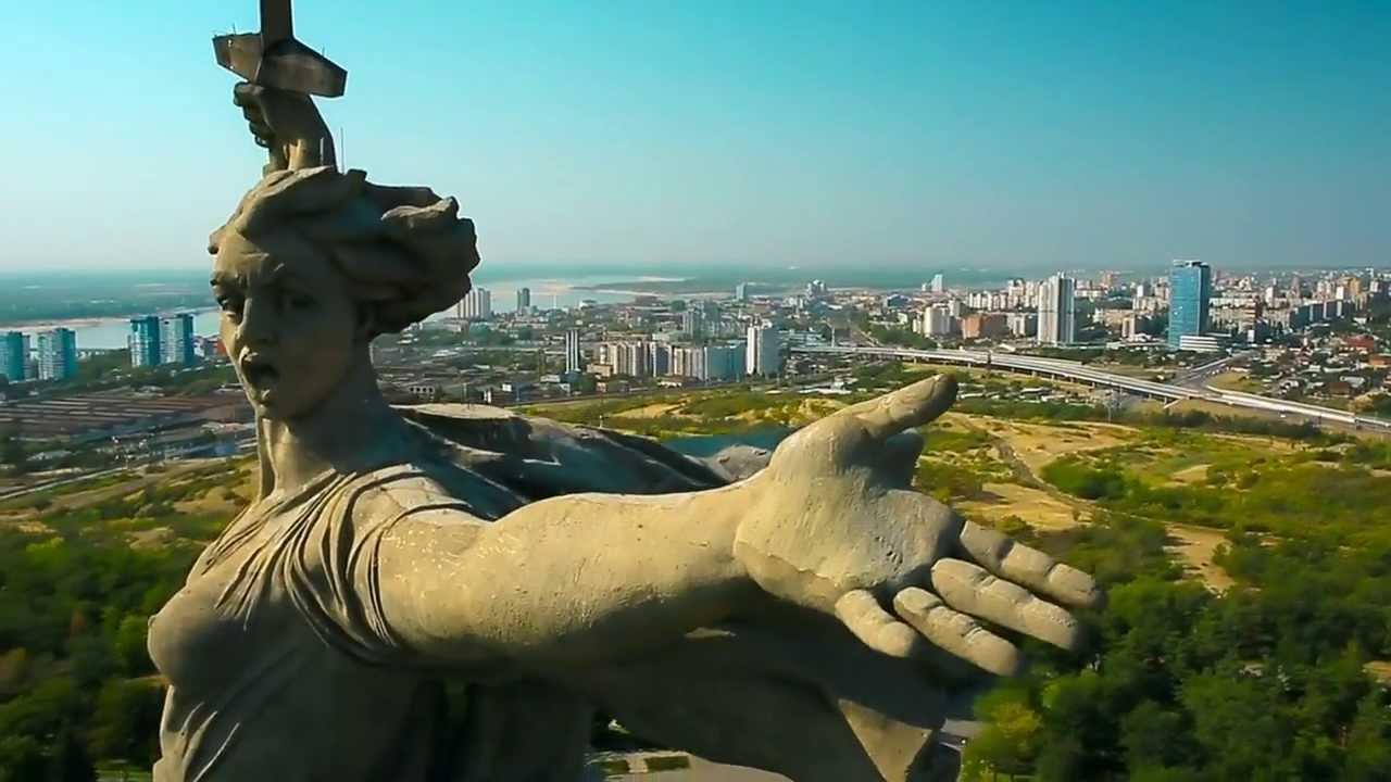 Русская за границей в групповом анале 26 фотография