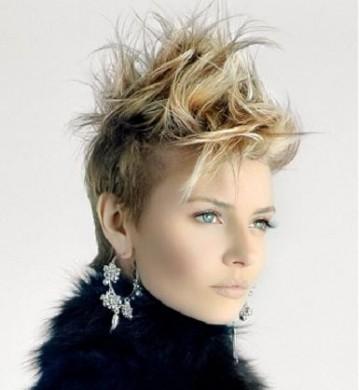 Foto tagli capelli corti sbarazzini