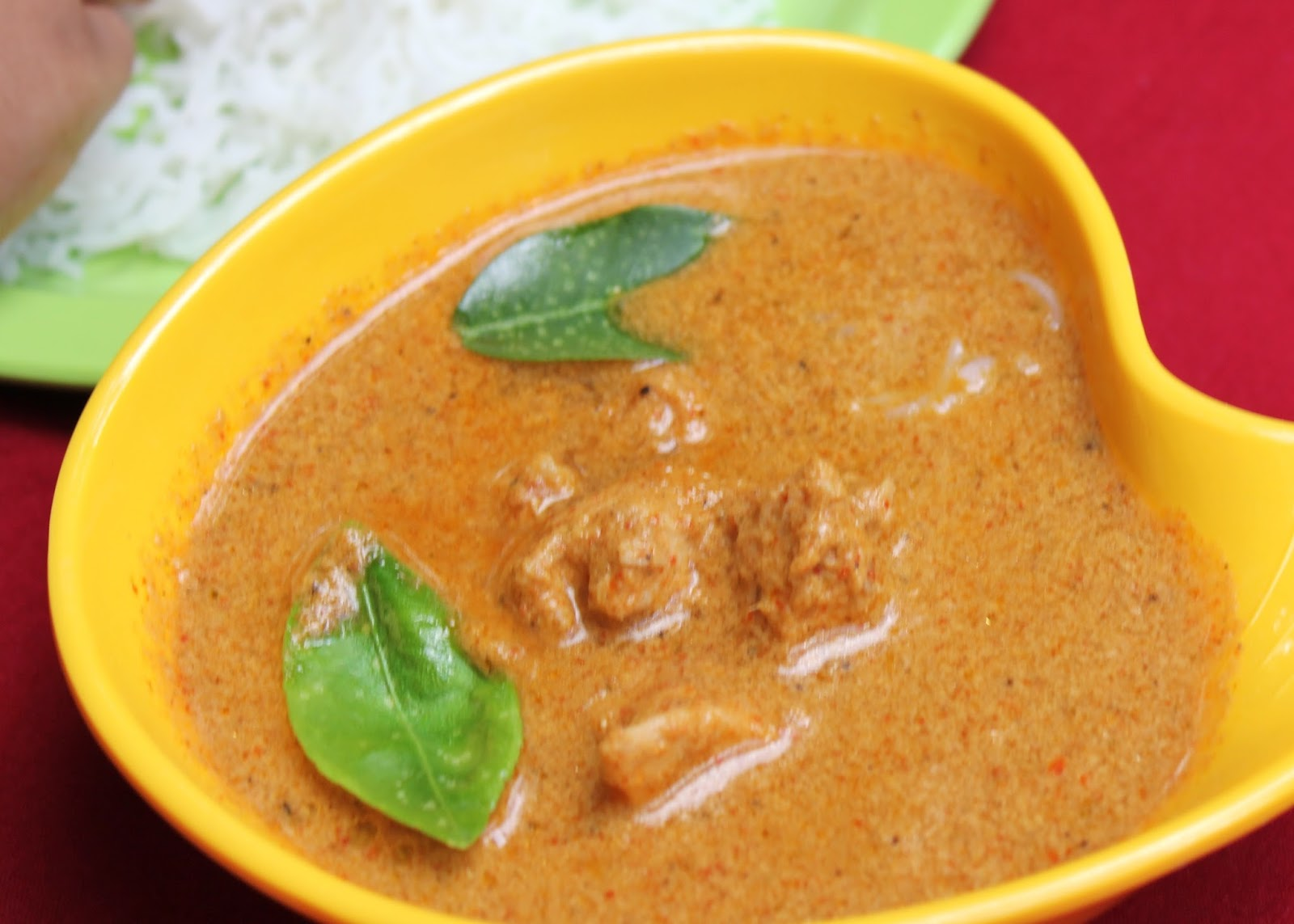 thai red curry,thai curry,thai chicken curry,thai red curry paste
