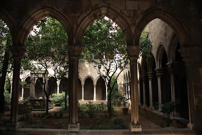 Gothic arches in the cloister of Santa Anna church