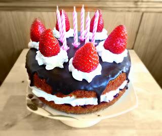 http://www.experimentando-enla-cocina.blogspot.com.es/2014/02/pastel-de-cardamomo-para-celebrar-mi.html