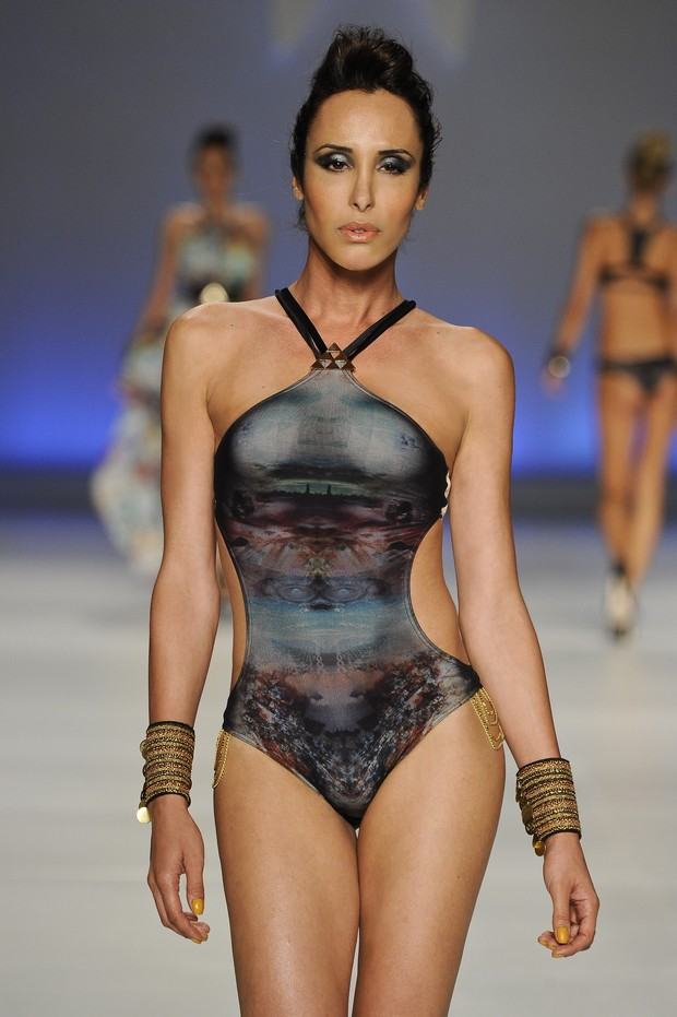 Modelo transexual Carol Marra (Foto: Ag Fotosite / Divulgação)