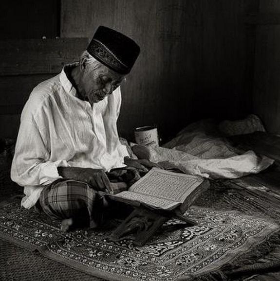 Kisah 1001 Malam Tentang Seorang Kakek dan Seekor Ular