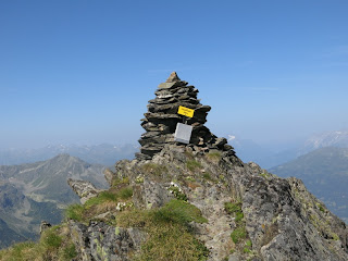 Gipfelsteinmann der Kreuzjöchlspitze