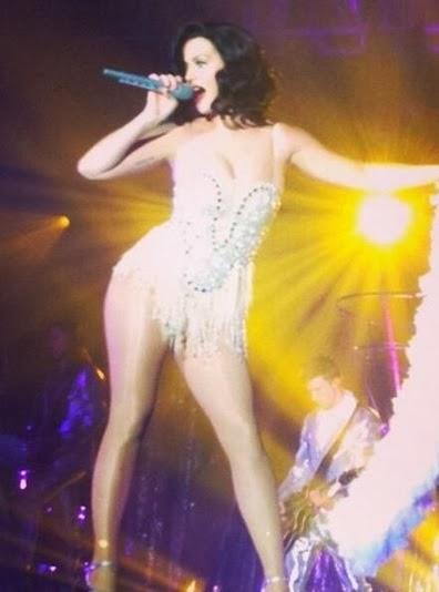 Katy Perry mostrando su trasero