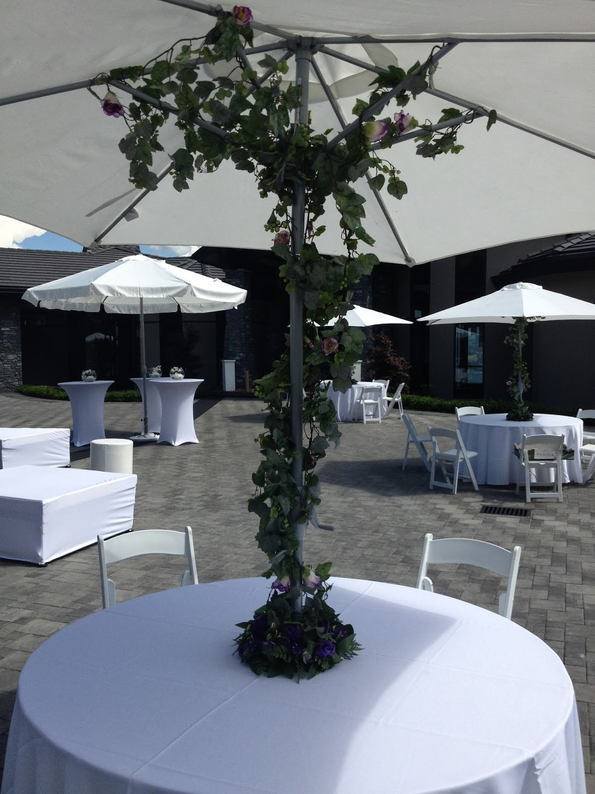 Outdoor patio wedding decor ttm events kelowna for How to decorate a patio for a wedding
