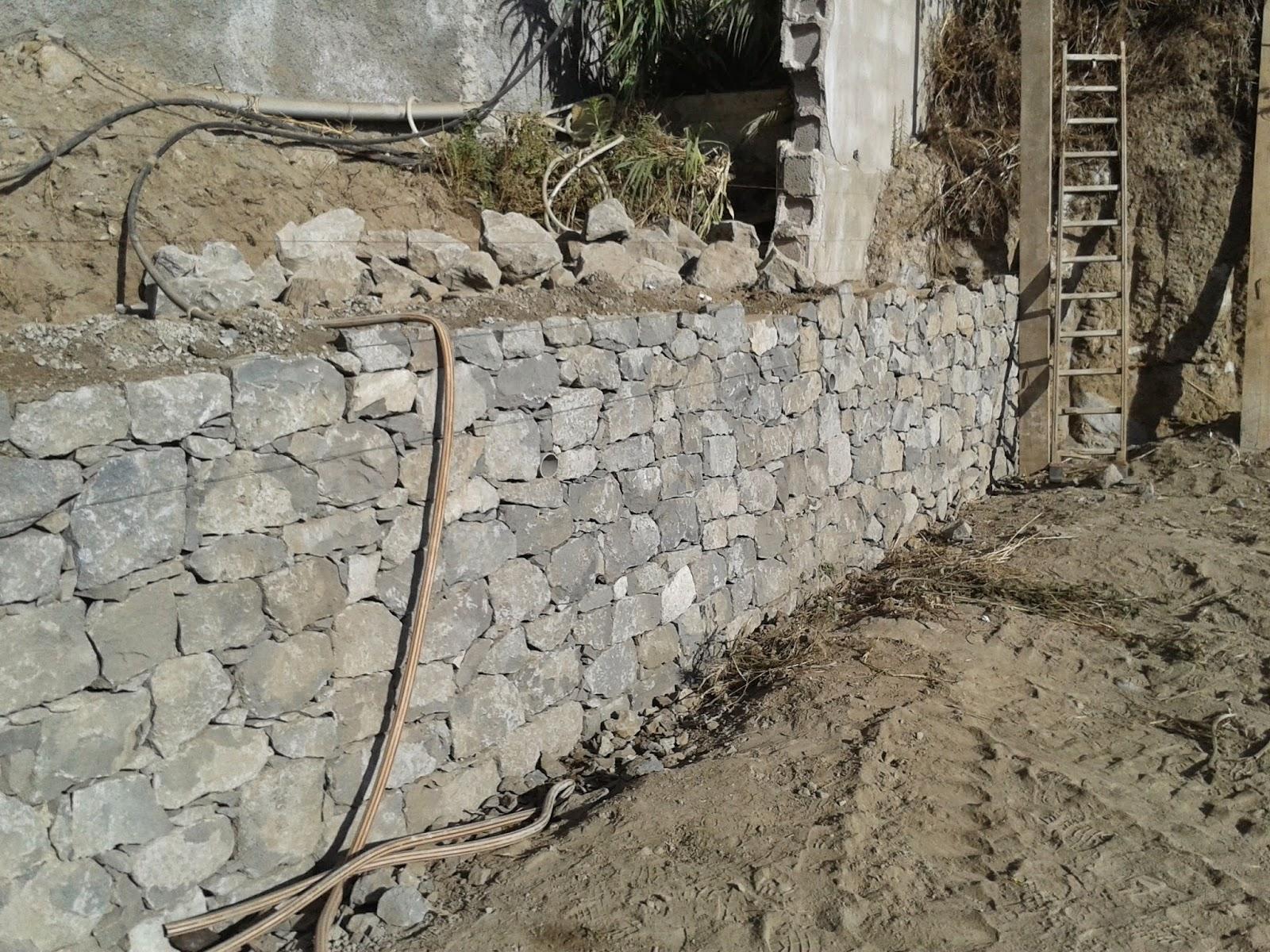 Muros de contenci n en piedra cara vista construcciones - Muros de contencion de piedra ...
