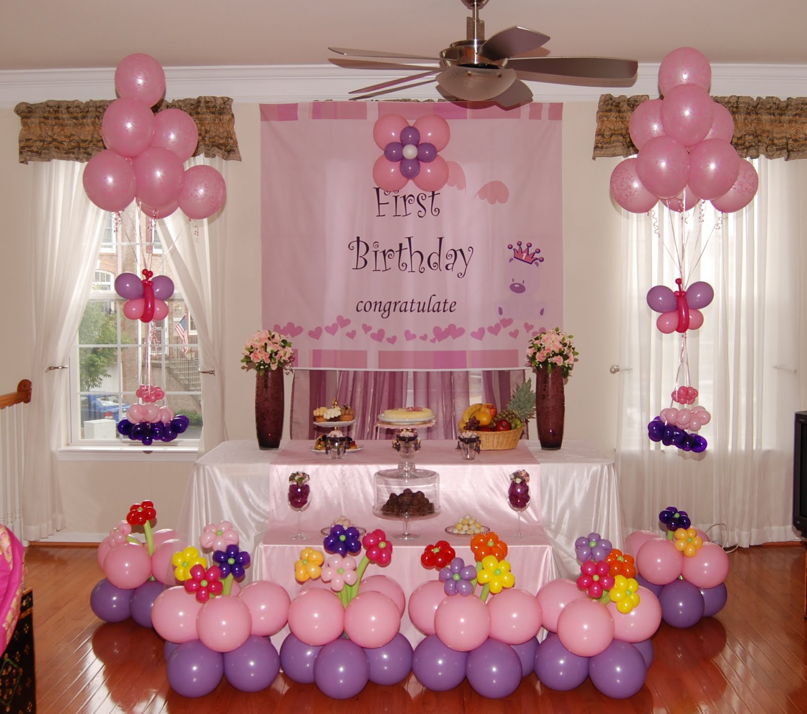 Mrs.Homemaker: Bash Your Treat with Balloons