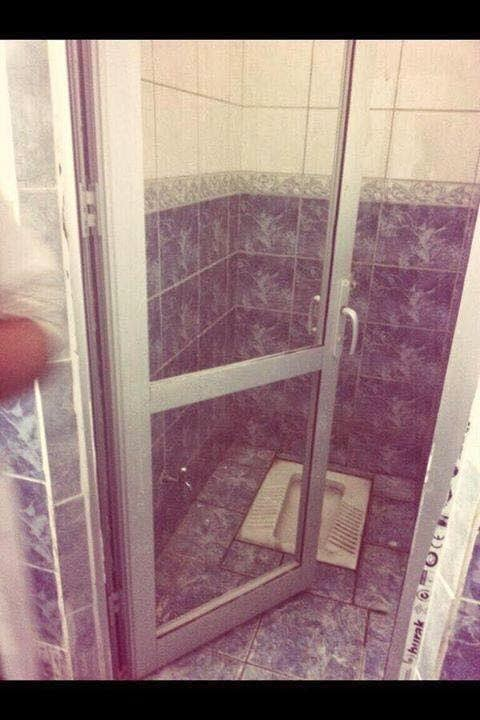 Şeffaf Cam Tuvalet Kapısı