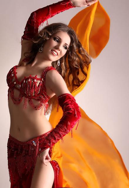 moroccan girl hot dancing