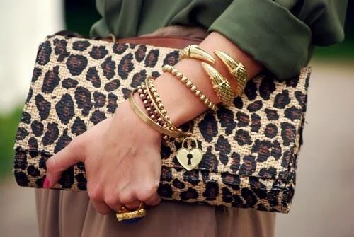 Bolso y pulseras