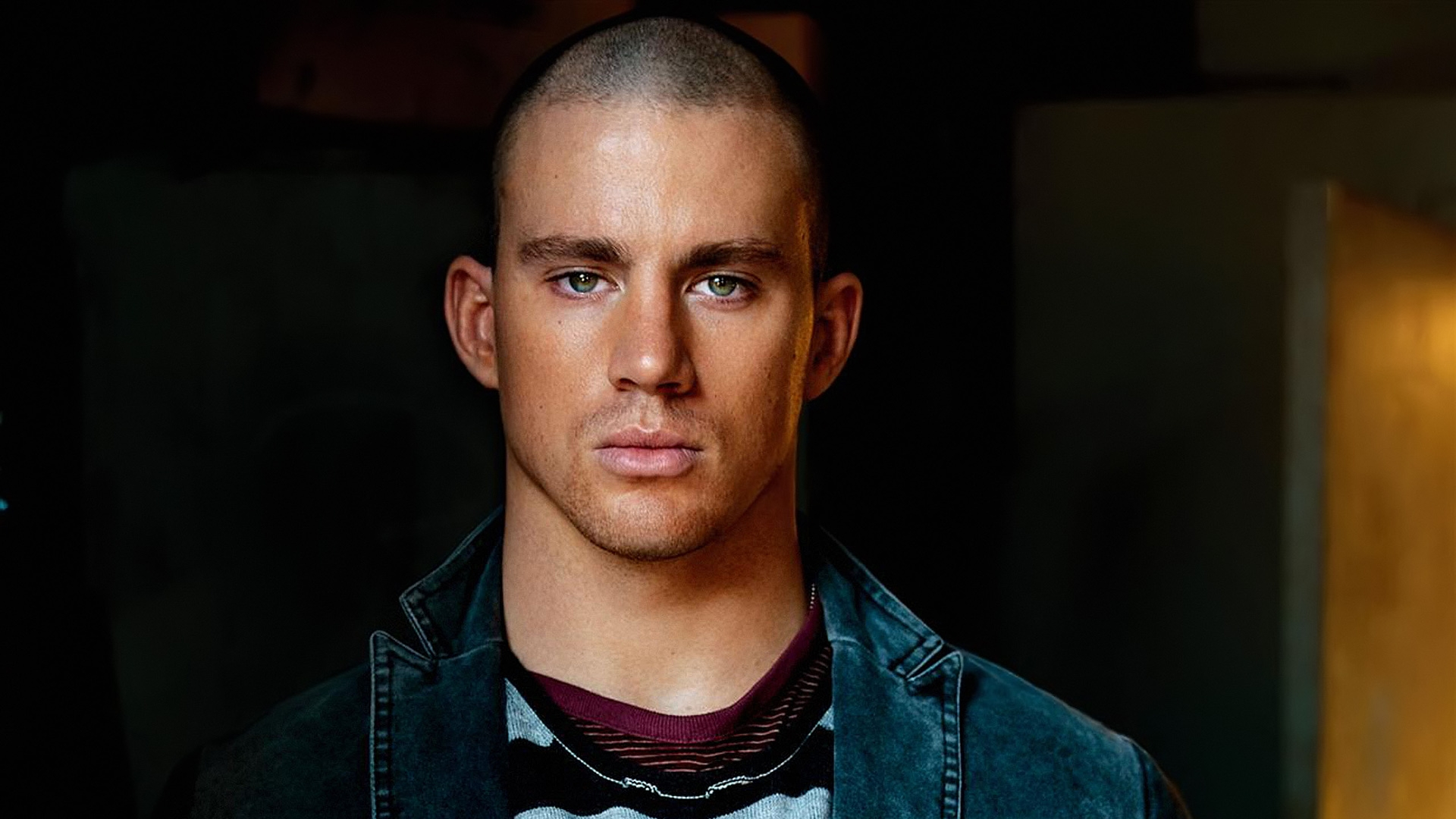 http://3.bp.blogspot.com/-z1gGy_HGQNQ/UFbAzr4gQII/AAAAAAAAJ8E/jk5FIVZhAbM/s0/channing-tatum-beautiful-eyes-1920x1080-wallpaper.jpg