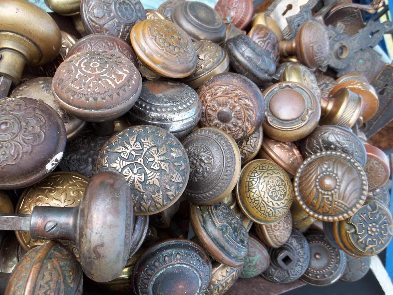 simply iowa: Victorian Door Knobs....Hundreds...of them....