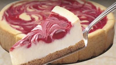 Bijela torta s višnjama