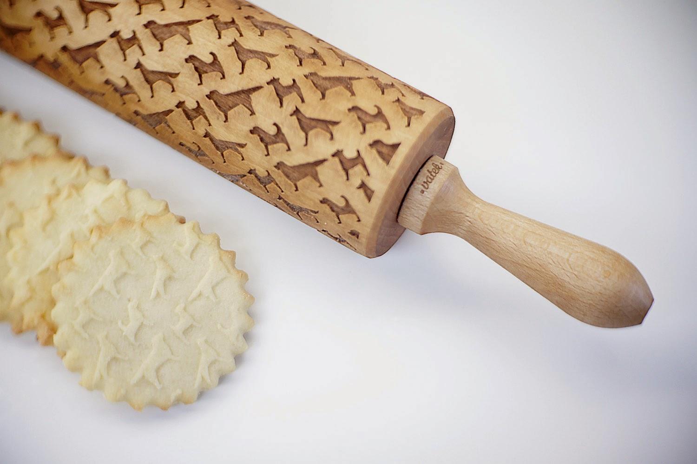 07-Zuzia-Kozerska-Rolling-Pin-for-Food-Stamp-Designs-www-designstack-co