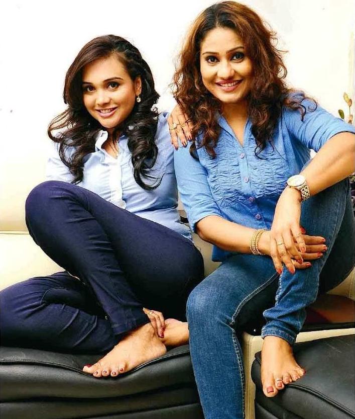 nayana kumari gayathri dias sri lankan lesbian actresses