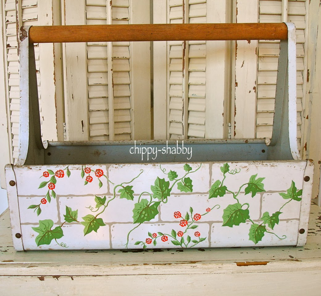 ChiPPy SHaBBy Just Darling ViNtaGe Flower Carrier