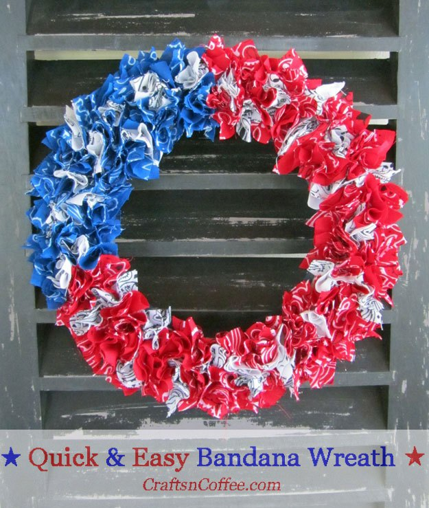 Easy Patriotic Bandana Wreath | 20 Crafts for the 4th of July - Independence Day DIYs | directorjewels.com
