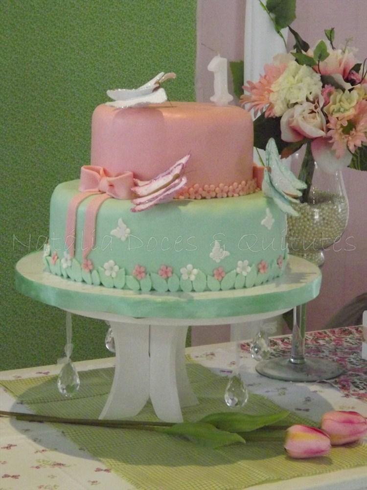docinhos modelados de leite ninho com tema borboletas cakes pops de