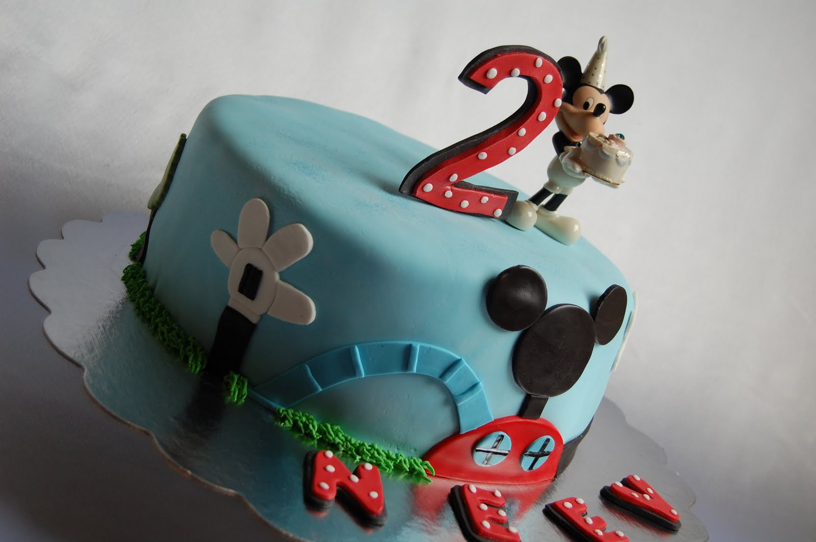 Mickey Mouse Clubhouse Cake Images : CUSTOMISED CAKES BY JEN: Mickey Mouse Clubhouse Cake