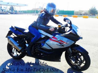 motorcycle rider women image2